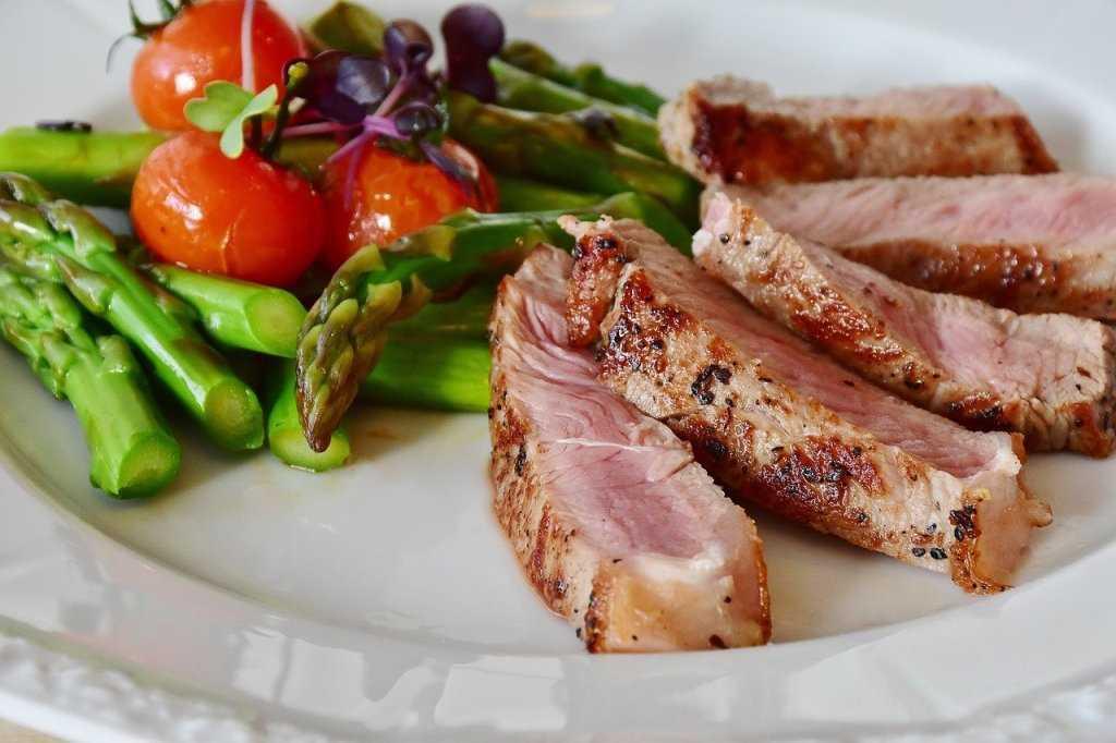 Rezepte mit Spargel, ausgezeichnet für Diäten und natürliche Diuretika